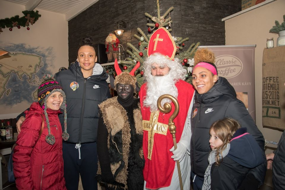 Ako to vyzerá na Vianoce u zahraničných hráčok Piešťanských Čajok?